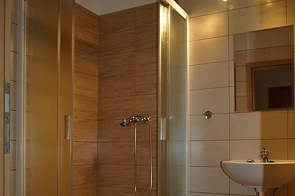 pokoj-na-vyhlidce-2-koupelna-2651CEBD3-6D08-6038-7FC0-941B52CB1D4C.jpg
